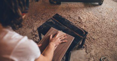 Een meubel maken met het juiste gereedschap